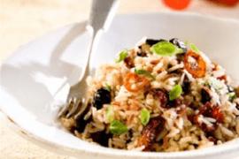תבשיל אורזים, עגבניות מיובשות וזיתים