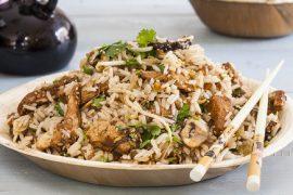 מוקפץ של אורז עם עוף ופטריות - מתכונים