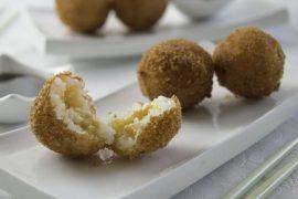 ארנצ'יני: כדורי אורז פריכים במילוי סלמון