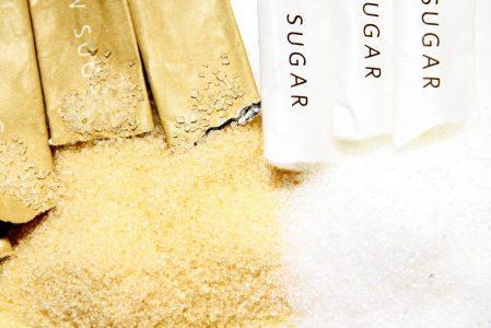 מקלוני סוכר חום סוגת