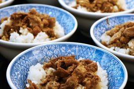 אורז עם אטריות וכבד עוף סוגת