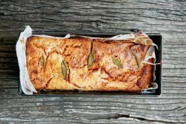 לחם גבינה עם ממרח עגבניות