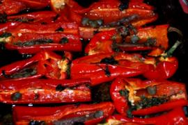 מעדן פלפלים אדומים ממולאים וקלויים מהמטבח האיטלקי