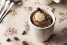 עוגה בספל - פונדנט שוקולד קפה