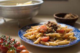 פסטה פנה ברוטב עגבניות ואנשובי
