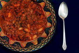 צ'ילי קון קרנה: תבשיל בשר ושעועית