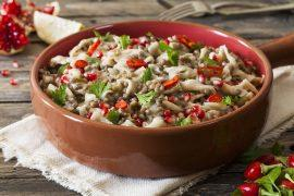תבשיל עדשים ואטריות ביתיות
