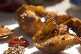 צ'יפס קרוע ביד - תפוחי אדמה אפויים ומטוגנים