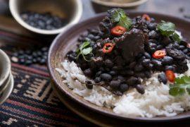 פיג'ואדה: תבשיל ברזילאי של בשר ושעועית שחורה