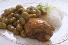 תבשיל עוף מרוקאי עם פול ירוק