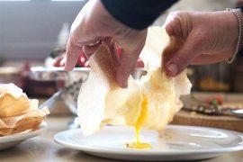 בוריק במילוי ביצה וחציל