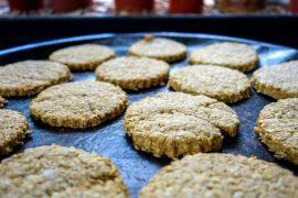 עוגיות בריאות - קוואקר, קמח מלא וסוכר חום