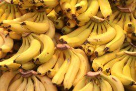 עוגת בננות ואגוזים