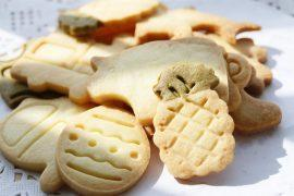 עוגיות בצורות מבצק פריך