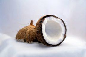 מרק בטטה וקוקוס תאילנדי