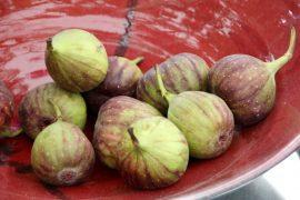 פאי אישי של תאנים, רימונים ותפוחים