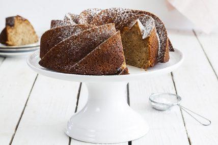 עוגת דבש עם לימון ושקדים