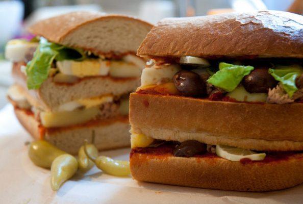 בין שתי פרוסות: לחם וממרחים ביתיים
