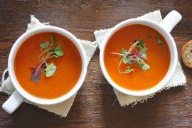 מרק עגבניות ובזיליקום טוסקני