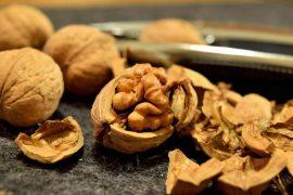חטיף אגוזי מלך, גבינת עיזים ועשבי תיבול