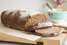 לחם אגוזים עם קמח מלא