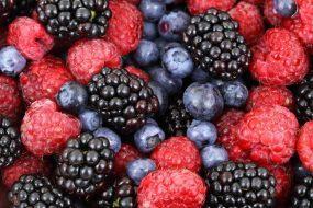 פירות יער: הממתקים הרשמיים של הקיץ