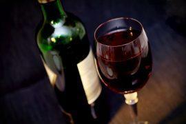 מדוע חשובה שתיית היין בפורים?