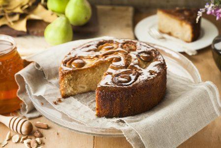 עוגה מתובלת של אגסים, ג'ינג'ר ודבש