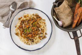פסטה בולונז עם עדשים ופטריות