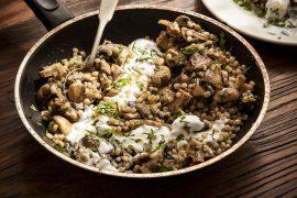 תבשיל גריסי פנינה ופטריות