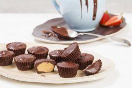 ממתקי שוקולד וחמאת בוטנים