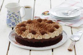 עוגת שכבות שוקולד וקרם קפה