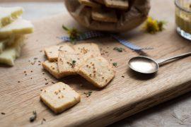עוגיות חרדל עם גבינת קשקבל