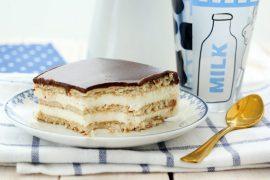 עוגת שכבות ביסקוויטים וקרם וניל