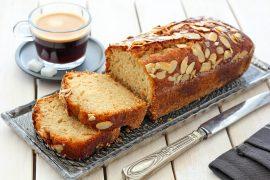 עוגה בחושה עם טחינה וסילאן