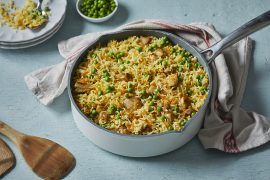 ארוחה בסיר אחד: קדרת אורז עם פרגיות וירקות