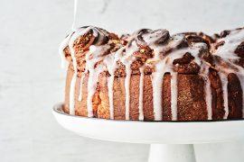 עוגת שושנים במילוי קינמון בזיגוג קרם לימון