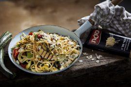 ספגטי קישואים ועשבי תיבול