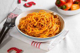 ספגטי ברוטב עגבניות של פעם