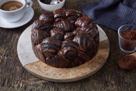 עוגת רוגלך במילוי שוקולד