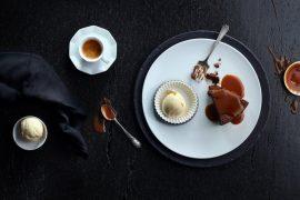 עוגת שוקולד רכה עם קרם טופי