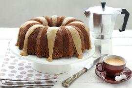 עוגת קפה גבוהה ומזוגגת