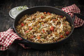 אורז עם אטריות ובצל מטוגן