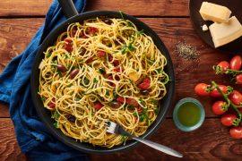 ספגטי עגבניות ב-10 דקות