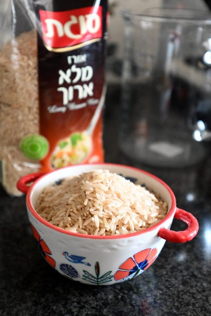 מוקפץ של אורז ארוך מלא
