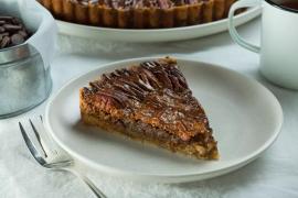 פאי פקאן עם שוקולד וסירופ מייפל